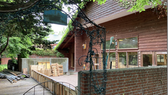 それは小林酒造の敷地内に新しく(7月)オープンするレストランについての事だ。 そのレストランは【pont】という名前